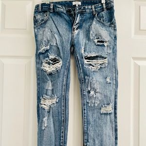 New TOBI Trendy Ripped Jeans (Size 26)